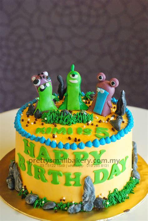 kek birthday tema sluttera prettysmallbakery