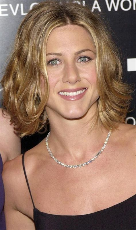 25 Celebrity Hairstyles For Women Over 40  Hair Style Lab