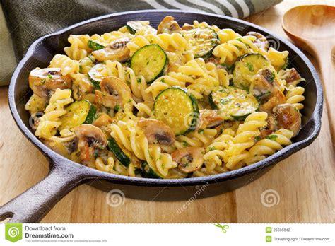 pate de cagne au four 28 images gratin de p 226 tes jambon aux herbes et parmesan