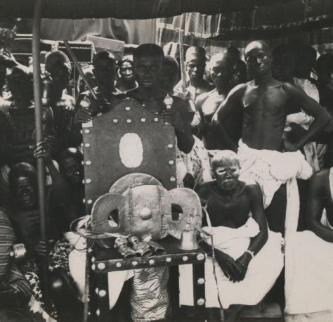 The Ashanti Golden Stool - golden stool