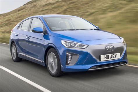 Ev Electric by Hyundai Ioniq Ev Electric Car 2016 Review Auto Express