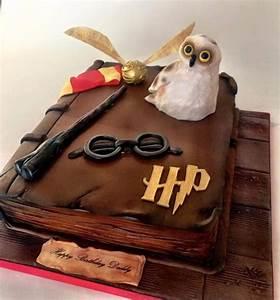Deco Harry Potter Anniversaire : g teau livre harry potter 20 25 parts ~ Melissatoandfro.com Idées de Décoration
