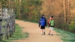 4 ways that walking to school can benefit kids | TreeHugger