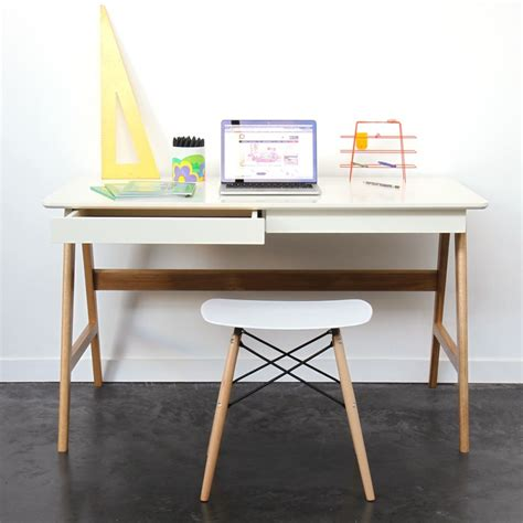 bureau scandinave bureau laqué chêne blanc 120x70cm skoll look scandinave
