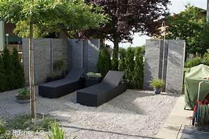 stelen stein granit sichtschutz bildergalerie bucher ag With französischer balkon mit stele garten stein