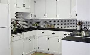 Black and white backsplash tile photos backsplashcom for Black and white kitchen backsplash