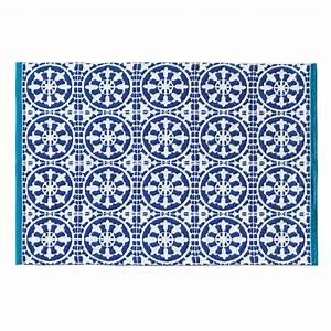 tapis d39exterieur bleu et blanc 140 x 200 cm santorini With tapis exterieur avec housse canapé bleu