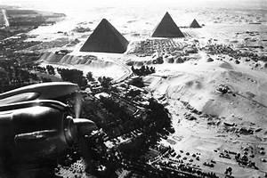 Fliegen In Der Erde : jede seite der pyramiden entspricht einer himmelsrichtung ~ Lizthompson.info Haus und Dekorationen