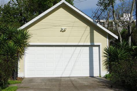 cedar park garage doors cedar park tx garage door repair chameleon overhead doors