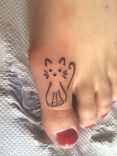 latest girly tattoo design   fun