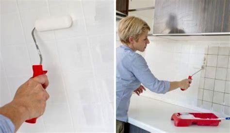 recouvrir un carrelage de cuisine repeindre le carrelage d 39 une crédence de cuisine côté maison