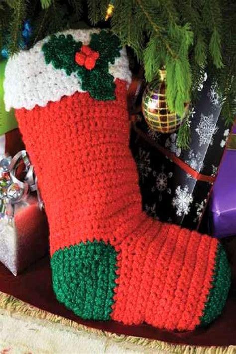 crochet christmas stockings images  pinterest