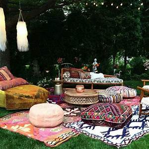 Coussin Boheme Chic : am nager son jardin style boh me chic pour c l brer la nature et les couleurs ~ Melissatoandfro.com Idées de Décoration