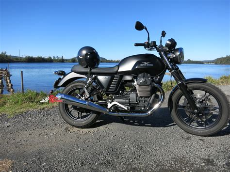 Review Moto Guzzi V7 Ii by Review 2015 Moto Guzzi V7 Ii Bike Review