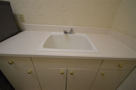 Bathroom Countertops And Sinks by Solid Surface Bathroom Countertops And Sinks Home Design
