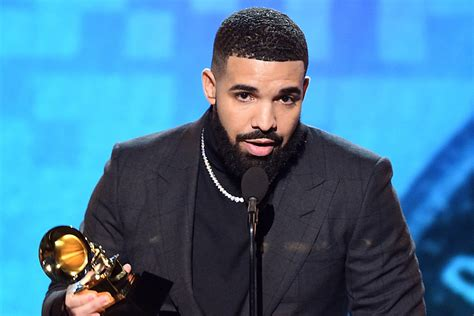 drake wins  rap song  gods plan   grammy