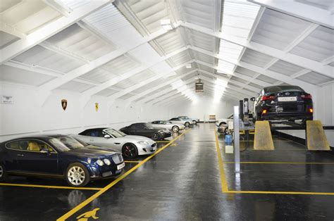 Mike's auto body shop is your place for quality mercedes repairs. MERCEDES-BENZ ACCIDENT REPAIR BODY SHOP FOR GREATER LODNON MIDDLESEX & SURREY