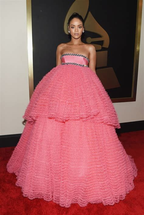 BEST AND WORST DRESSED | Grammy dresses, Nice dresses, Red ...