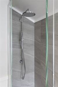 White, Bathroom, With, Lead, Light, Window, And, U2026