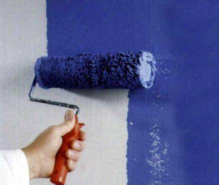 как правильно покрасить обои под покраску