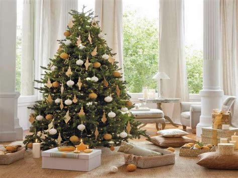 Weihnachtsbaum Modern Geschmückt by Weihnachtsbaum Modern Schmucken Frohe Weihnachten In Europa