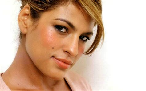 Eva Mendes ~ Celebrity Wallpapers Emma Stone
