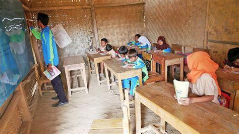 Menurut uu, mereka harus diprioritaskan jika ada pengangkatan. Pemerintah Hentikan Rekrutmen Guru Honorer - Aceh Online