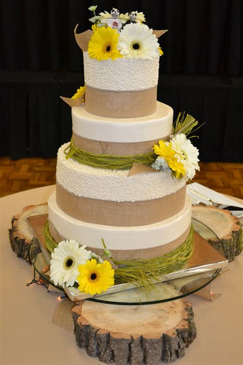 country wedding cake country chic wedding corinne alyse cakes