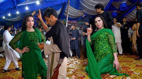 nika jiya dhola pari paro wedding dance performance