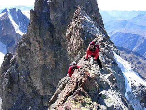 la meije en travers 233 e massif des ecrins hautes alpes