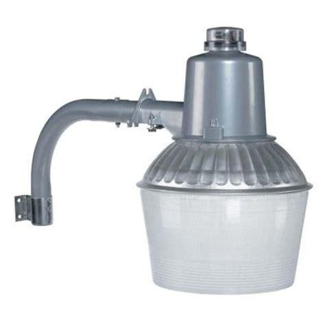 150 watt led bulb lowes globe electric 150 watt outdoor aluminum high power sodium