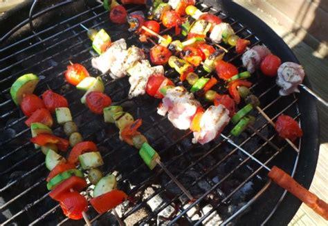 cuisiner au barbecue cuisiner une entrecôte au barbecue barbecue