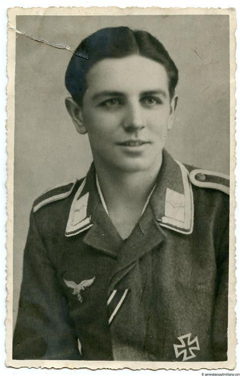 Hermann Göring Luftwaffe Feld division portrait with Ek1 ...