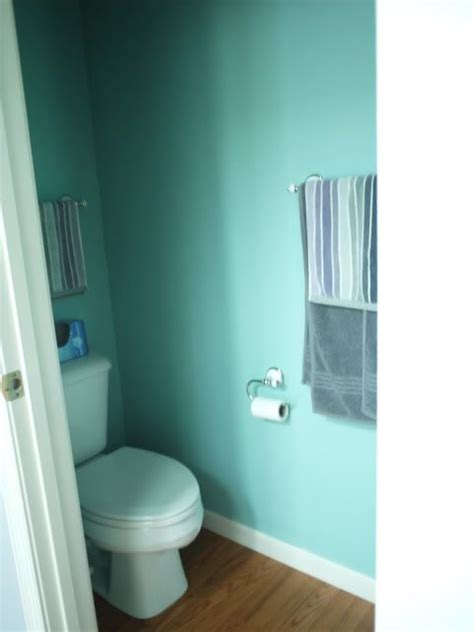 Modern Day Bathroom Colors by Modern Day Jibarita House Tour Behr Pool Blue Paint