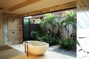 comment amenager la salle de bain exotique 40 idees With salle de bain design avec eolienne de jardin décoration