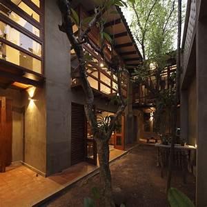 Nugegoda House / Chinthaka Wickramage associates | ArchDaily