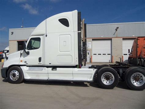 freightliner trucks for sale 2011 freightliner cascadia 113 sleeper semi truck for sale