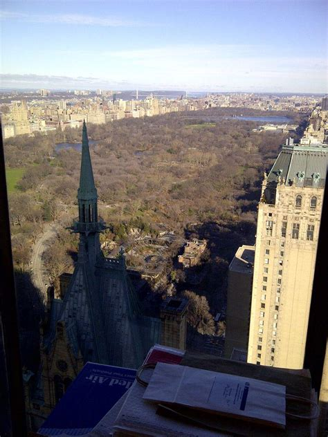 estee lauder bureau view from the side of t estée lauder companies