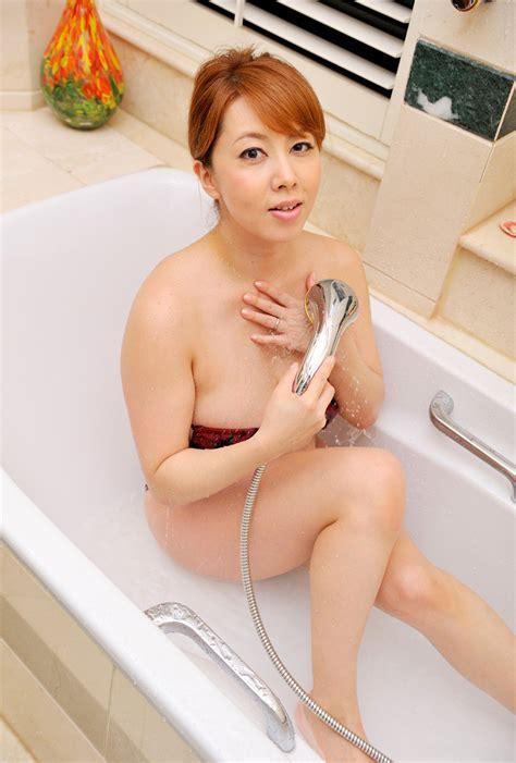 Japanesethumbs Av Idol Yumi Kazama 風間由美 Photo Gallery 2