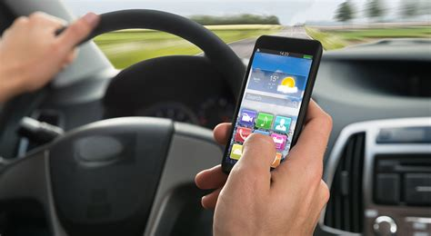 Dangers texting while driving essay