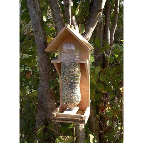 fabriquer une le avec une bouteille mangeoire oiseaux bois naturel 1 5l bois poterie
