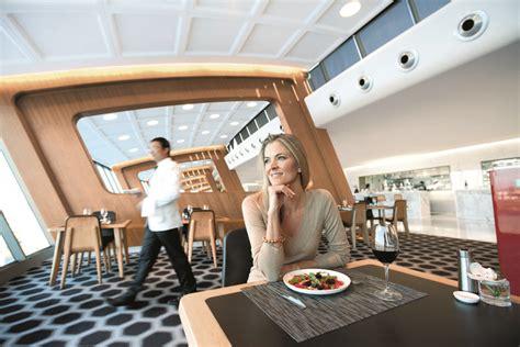 qantas enforces dress code   loungesdestinasian