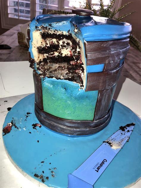 lia  twitter chug jug cake  atevansausage birthday