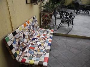 Mosaik Selber Fliesen Auf Altem Tisch : mosaik sitzbank auf der terrasse aus verschiedenen fliesenst cken mosaics tile glass stone ~ Watch28wear.com Haus und Dekorationen
