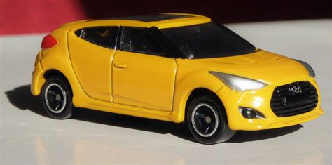 hyundai veloster  door coupe automatic