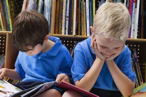 Kāpēc ir jābūt grāmatām mājās, kur aug bērni - Puaro.lv