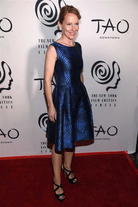 sexiest amy ryan pictures  bring   deepest