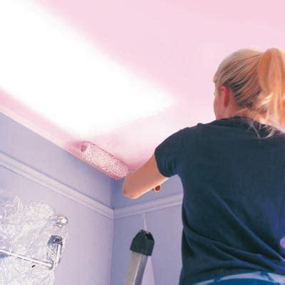 truc pour peinturer un plafond comment peindre un plafond conseils d expert alliance le premier magazine de la communaut 233