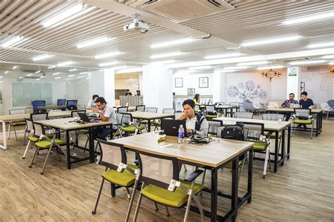 office desk circo coworking space ho chi minh city read reviews