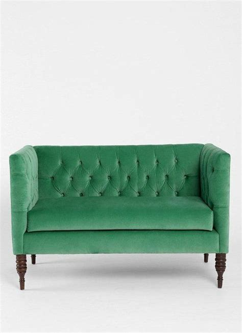 Settees For Small Rooms by Best 25 Tiny Ideas On Living Room For